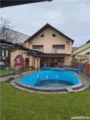 2 vile de vanzare cu piscina,aceeasi curte,pt locuit sau centru medical,zona Aradului - imagine 1