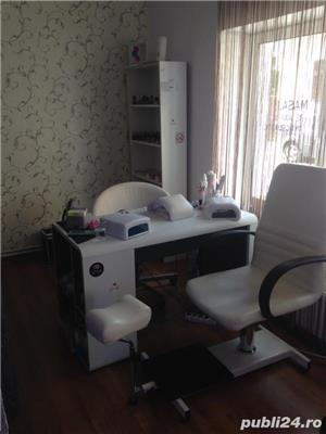 Închiriez salon coafura / manichiura / Cosmetica  - imagine 1