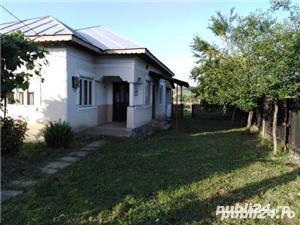 Casa de vanzare cu curte 2 case - imagine 2