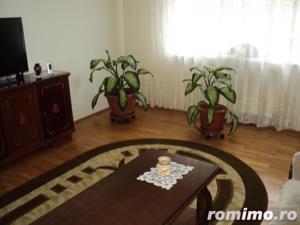 Apartament cu 4 camere situat in zona km.4-5 - imagine 3