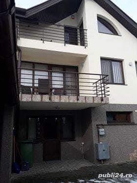 Vand casa particulara in cartier rezidential - imagine 1