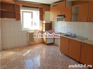 Apartament 2 camere, zona Imp. Traian, etaj 3, spatios, luminos - imagine 3