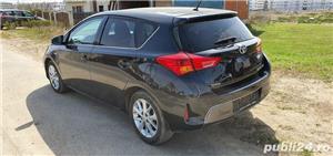 Toyota auris  - imagine 3