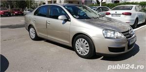 Volkswagen Jetta 1.9 Diesel 105 Cai Unic proprietar Acte în regula la zi cu fiscal pe loc  - imagine 2