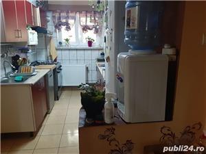 Vand apartament 2 camere ,decomandat ,Caracal , cartier gara etaj 2 ,impecabil ,recent renovat . - imagine 1