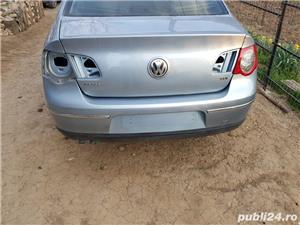 Bara / spoiler spate original VW Passat B6 / 3C berlina/ sedan/ limuzina culoare gri LB5M  gri - imagine 2
