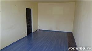 Vand apartament 3 camere decomandat in Deva, zona I. Maniu, etaj intermediar, situat pe mijloc,  - imagine 4