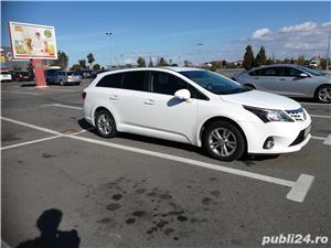 Toyota avensis vand/schimb cu suv / offroad - imagine 1