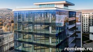 Cladire moderna de birouri-Fatada de sticla - Standarde Inalte - imagine 6