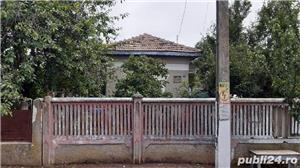Vând casă în Comuna Farcasele jud.Olt. - imagine 7