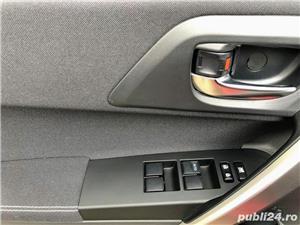 Toyota auris  - imagine 9