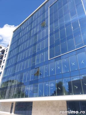 Cladire moderna de birouri-Fatada de sticla - Standarde Inalte - imagine 8