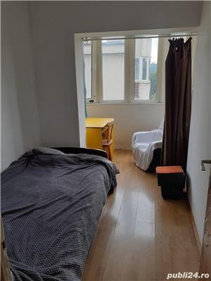 O camera  intr-un apartament cu 3 camere decomandate - imagine 1