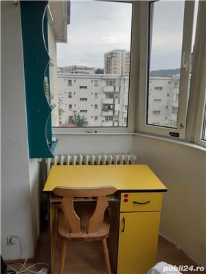 O camera  intr-un apartament cu 3 camere decomandate - imagine 4