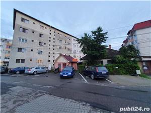 Teren cu 3 anexe , 2 intrari si locuri de parcare Victoriei - imagine 3