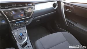 Toyota auris  - imagine 8