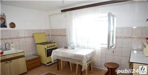Vând apartament 3 camere cu mansardă  - imagine 4