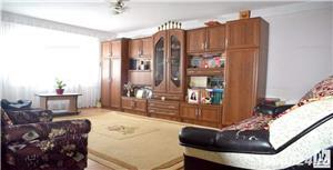 Vând apartament 3 camere cu mansardă  - imagine 3