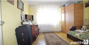 Vând apartament 3 camere cu mansardă  - imagine 2