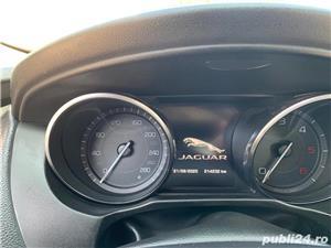 Jaguar XE  - imagine 8