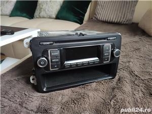 Radio cd Mp3 rcd 210 volkswagen golf 5 / 6 , passat B6 , B7 - imagine 1