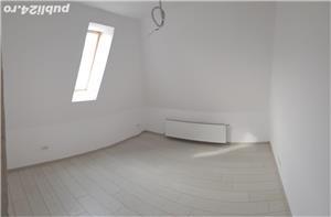 Vând apartament cu trei camere - imagine 2