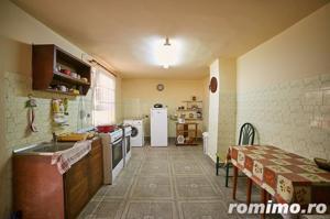 Vilă cu 3 apartamente în zona Functionarilor - imagine 12