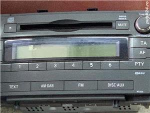 Radio cd MP3 WMA Toyota Avensis 2009-2013 - imagine 1