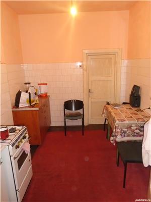 Casa singur in curte  zona Claea Dumbravii  - imagine 2