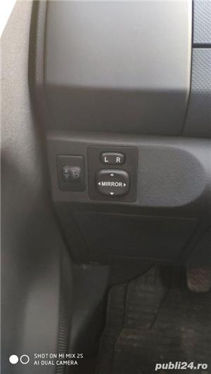 Toyota yaris , schimb cu motocicleta - imagine 8