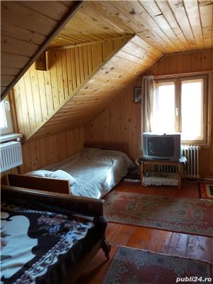 Sinaia , casa de vacanta , 3 camere , 300 Euro /luna - imagine 5