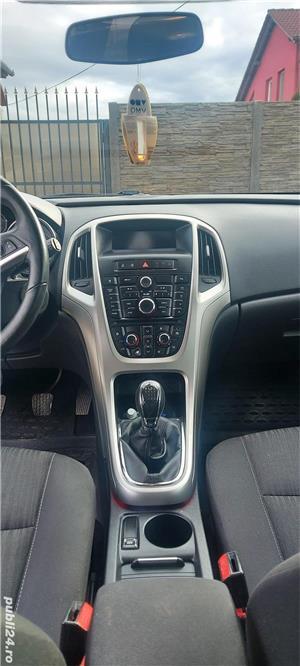 Opel Astra J - imagine 12