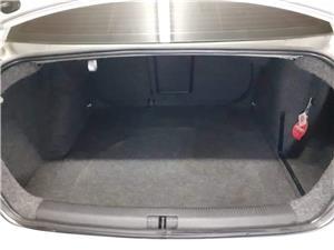 Volkswagen  Jetta 1.6  - imagine 7