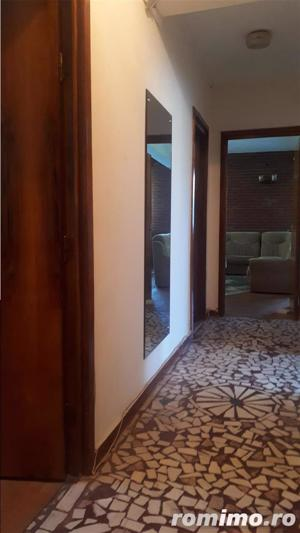 Cafrom Imobiliare - Central - Apartament 4 Camere de Vanzare - imagine 2