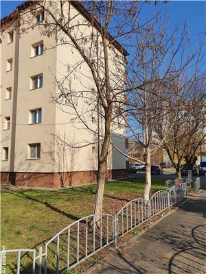 Inchiriere apartament 3 camere 70 mp - imagine 10