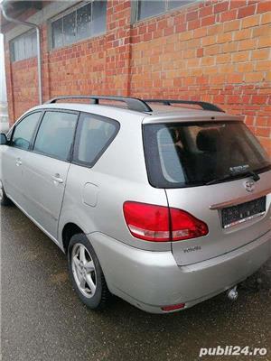 Toyota Avensis Verso 2.0 D4D 116 CP (nu Sharan, Alhambra, Espace, MPV ) diesel 7 locuri. - imagine 3