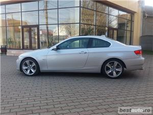 Bmw Seria 3 330 - imagine 6