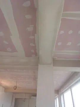 Execut lucrări de construcții interioare finisări gleturi rigips lavabil gresie faianță sape zugrăve - imagine 4