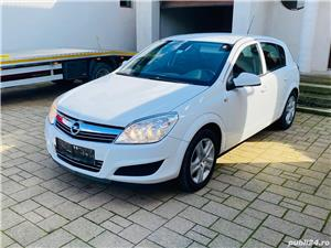 Opel Astra H 1.7 Diesel 110 Cp 2010 Opel Astra H 1.7 Diesel 110 Cp 2010 2010 . Oferit de Persoana fizica.