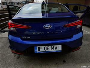 Hyundai Elantra  - imagine 2