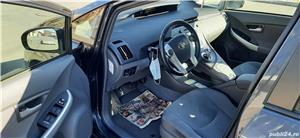 Toyota prius  - imagine 10
