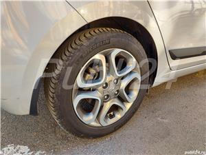 Hyundai i20  - imagine 8