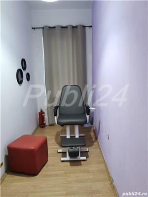 Închiriere post manichiura/pedichiura, scaun frizerie/coafura,camera cosmetica  - imagine 1