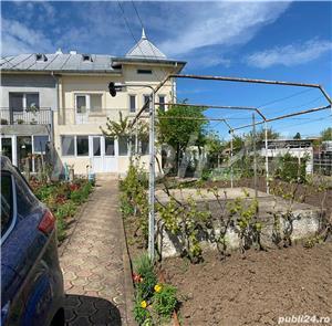 Vînd vila situată central - Caracal - imagine 1