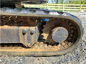 miniexcavator Kubota U25 - imagine 4