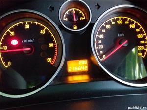 Opel Zafira B Vând Opel Zafira. Opel Zafira,<br>1,9 disel<br>2005<br>216000 km reali<br>Schimbat de curând arcuri, telescoape fata, plăcute frână, schimbat