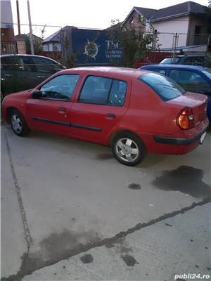 Renault Clio vand Renault Clio 1.4 2003  550 euro neg. Este in stare buna te poti folosi de ea, motor 1.4 benzina consum 6%, inchidere centralizata, geamuri
